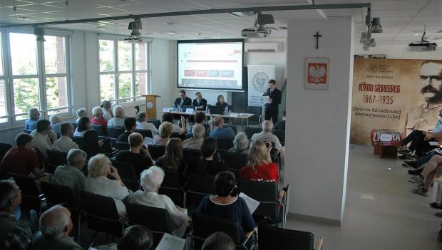 Czerwcowe spotkanie w IPN. Na spotkaniu nie było przedstawicieli władz Gdańska ani radnych PO. Z opozycji obecna była jedynie radna PiS, Anna Kołakowska.