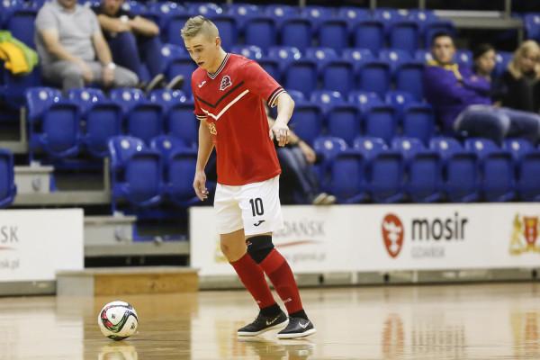 Piotr Wardowski przed odejściem do Chojnic występował dla I-ligowej Futsal Politechniki. Teraz dołączy do AZS UG aby pomóc mu w walce o utrzymanie ekstraklasy.