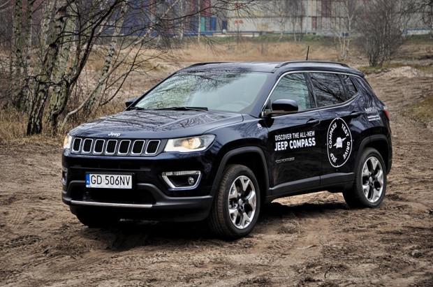 Nowy Jeep Compass wygląda jak mniejszy brat Grand Cherokee.