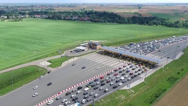 Duży ruch na autostradzie A1 staje się codziennością.