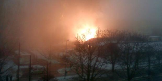Pożar tramwaju na pętli Pasanil na Stogach spowodowany skokami w napięciu w sieci trakcyjnej.