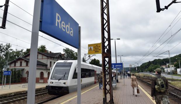 Oprócz budowy dwutorowej linii, PKP zmodernizuje też perony.
