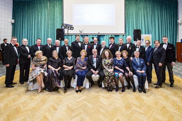W sobotni wieczór w hotelu Sofitel Grand Sopot odbył się XVI bal organizowany przez Klub Rotary Sopot i Międzynarodowe Forum Kobiet.