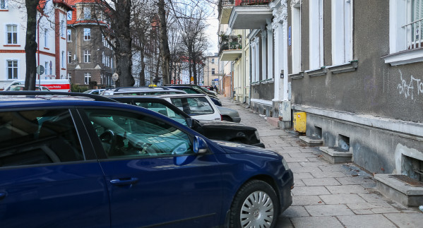 Zaparkowanie auta na ul. Danusi.