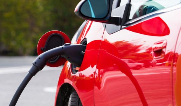 W 2025 r. na polskich drogach ma być ponad 1 mln aut elektrycznych. Obecnie jest ich ok. 1,6 tys.