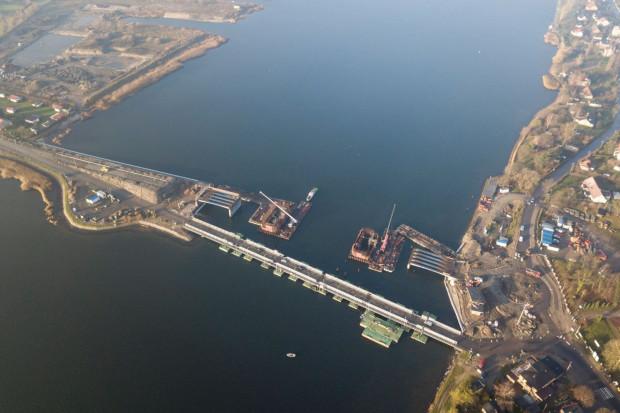 Z powodu problemów Vistal zrezygnował z budowy mostu na Wyspę Sobieszewską.