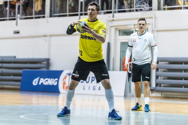 Osiem bramek Rafała Rychlewskiego nie pomogło. Spójnia nie wytrzymała tempa jakie w ostatnim kwadransie gry narzuciła Gwardia i przegrała w Opolu.
