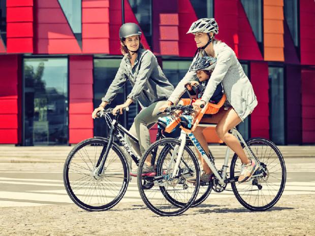 b04488b870bb63 Przednie foteliki rowerowe pozwalają kontrolować dziecko i chronić je  ramionami w razie wypadku