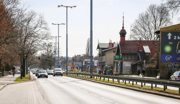 Doprowadzenie tunelu do czteropasowej Grunwaldzkiej może skutkować potrzebą jej poszerzenia o kolejne pasy ruchu. Obowiązujący plan dopuszcza takie rozwiązanie.