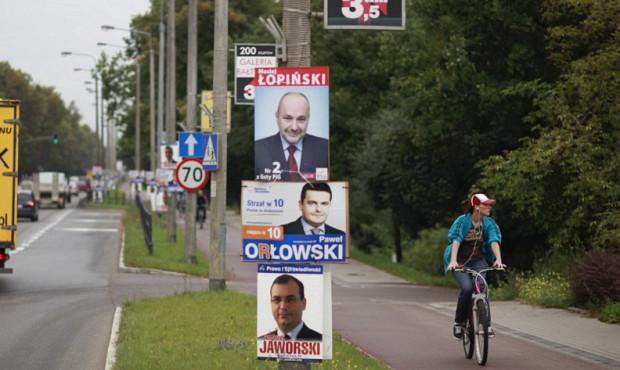Reklama wyborcza na słupach oświetleniowych będzie zakazana, co nie spodobało się radnym opozycji.