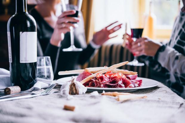 Świat kuchni, zwłaszcza z najwyższej półki, stara się oferować coś więcej: wyrafinowane smaki, zaskakujące połączenia i nieznane wcześniej produkty.