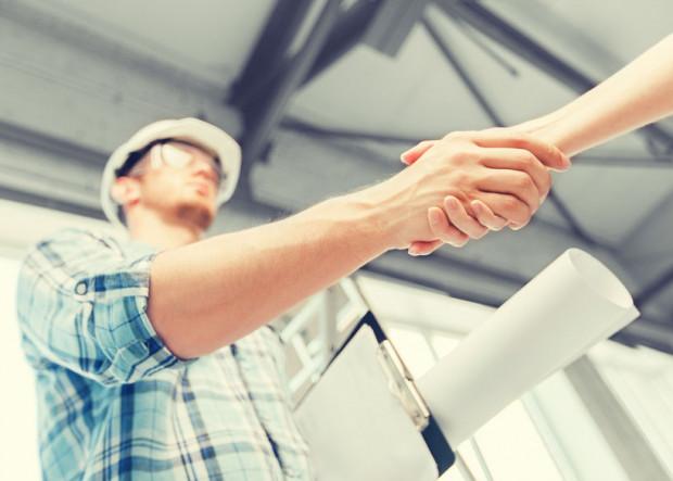 """""""Braki w coraz większym stopniu dotyczą stanowisk wykwalifikowanych i z wyższym wykształceniem - inżynierów, kierowników budów, zarządzających projektami budowlanymi."""""""