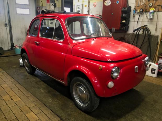 Elektryczny Fiat 500 będzie gotowy pod koniec kwietnia.