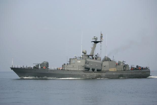 """ORP """"Metalowiec"""" był jednym z czterech okrętów rakietowych typu Mołnija na stanie Marynarki Wojennej. Prędkość maksymalna tych jednostek wynosiła 43 węzły, czyli prawie 80 km/godz."""