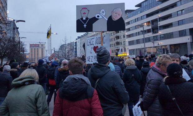 Rozpoczęła się manifestacja w Gdyni.