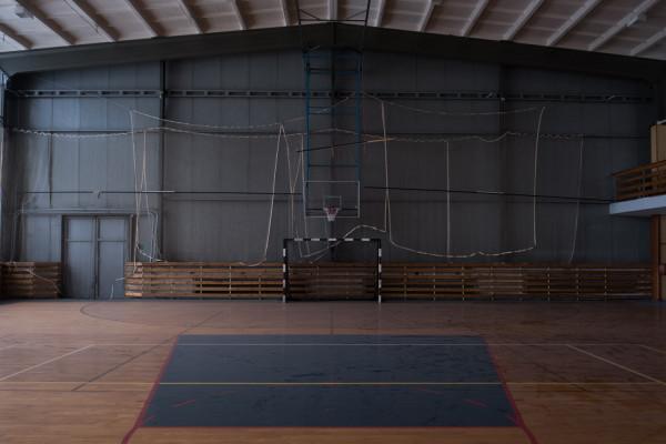 Hala sportowa przy Zespole Szkół Morskich Im. Bohaterskich Obrońców Westerplatte potrzebuje remontu.