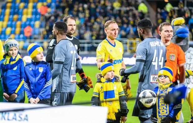 Mecz z Legią Warszawa był pierwszym wygranym przez Arkę Gdynia, gdy opaskę kapitana nosił Adam Marciniak. Czy podobnie będzie w środę w Kielcach?