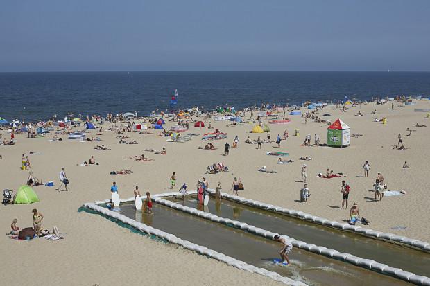 Plaża na Stogach należy do najszerszych i najczystszych w Gdańsku.