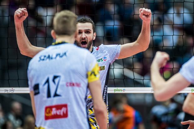 Po dwóch setach wydawało się, że Trefl przegra z osłabioną ZAKSĄ, ale Mateusz Mika i jego koledzy zdołali się podnieść i wygrać czternasty mecz z rzędu, licząc dwa zwycięstwa w Pucharze Polski.