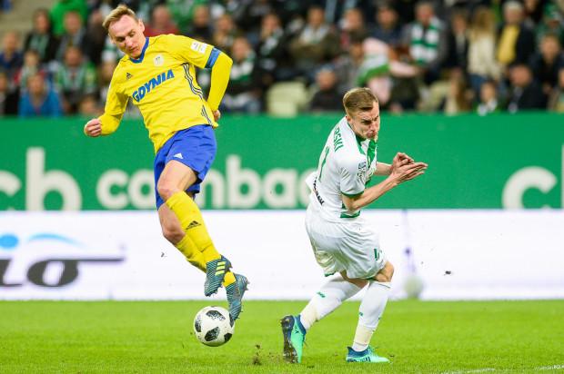 Adam Marciniak (z lewej) grać będzie w Arce Gdynia do 30 czerwca 2019 roku. Już można kupować bilety na piątkowe derby z Lechią Gdańsk.