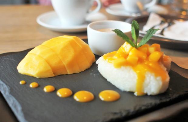 Deser ryżowy mango.