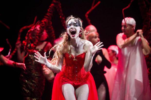 Najjaśniejszym punktem premierowego spektaklu była Eurydyka w wykonaniu bardzo utalentowanej wokalnie i aktorsko Marii Domżał.