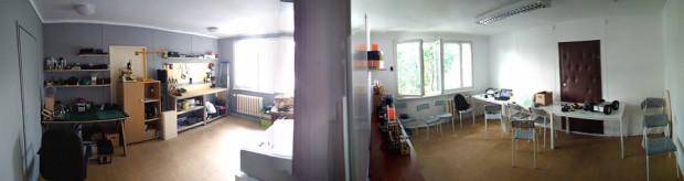 """Tak dziś wygląda przestrzeń FabLab Gdańsk - pomieszczenie na narzędzia i skromna przestrzeń biurowa. Dzięki projektowi """"Spotkania konstruktorów"""" możliwości i dostępność tego miejsca znacznie się poprawią."""