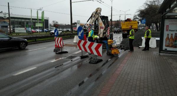 Budowa buspasów na Morskiej w Gdyni ruszyła w poniedziałek rano.