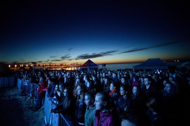 Fląder Festival to świetna okazja, aby posłuchać polskiej alternatywy. Tym bardziej, że plażowy festiwal w Brzeźnie jest darmowy.
