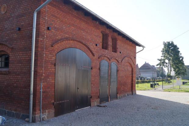 Budynek wozowni w parku Oruńskim przekazano Scenie Muzycznej GAK, jako zaplecze biurowe i pomieszczenia dla artystów występujących w amfiteatrze. Jeśli działka pod obecną siedzibą Sceny Muzycznej przekazana zostania deweloperowi, to tutaj może zostać przeniesiona cała placówka.