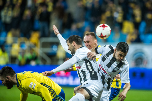 W takich okolicznościach Adam Marciniak, po strzale głową ustalił wynik jesiennego meczu Arka Gdynia - Sandecja Nowy Sącz na 5:0.