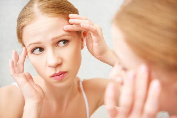 Złe nawyki, pośpiech lub brak uwagi mogą sprawić, że twoja skóra zestarzeje się szybciej, niż byś tego chciała.
