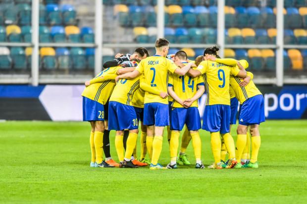 Arka Gdynia po blamażu w meczu z Piastem Gliwice zamierza się poskładać i posklejać, by 2 maja w finale Pucharu Polski ponownie sprawić niespodziankę.