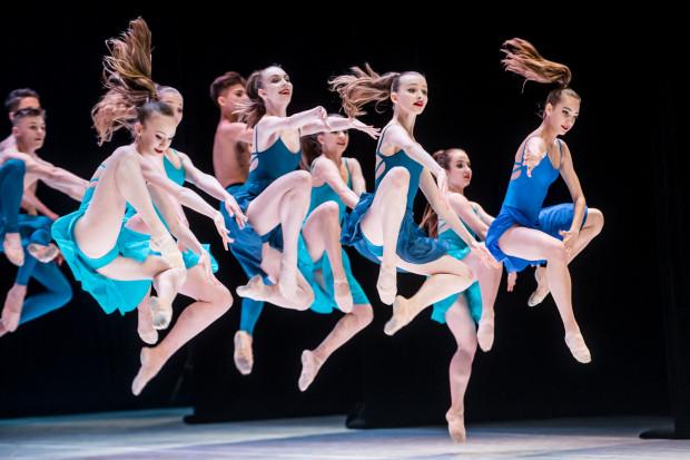 Występ uczniów Ogólnokształcącej Szkoły Baletowej w Gdańsku był bardzo dynamiczny i efektownie zatańczony przez młodzież z klas II-VIII.