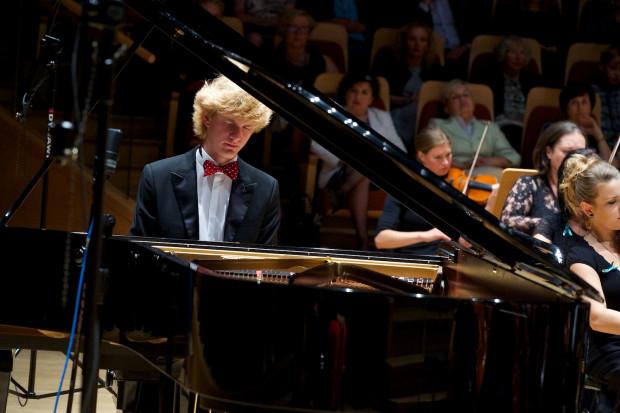 Jedną z największych atrakcji Gdańskiego Festiwalu Muzycznego będzie występ Jana Lisieckiego - kanadyjskiego wirtuoza fortepianu o polskim rodowodzie. Na zdjęciu podczas koncertu w ramach Solidarity of Arts w 2014 r.