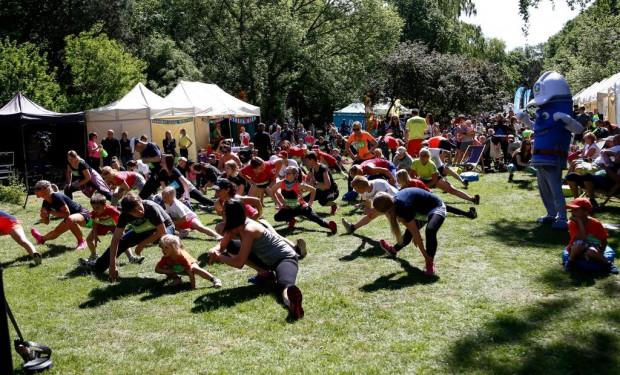 Bieg do Źródeł to zmagania na trasach 10 i 3 km, jak i świetna zabawa podczas rodzinnego pikniku.