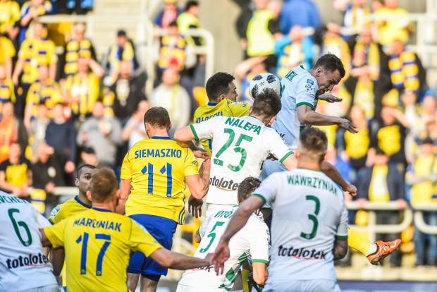 Arka Gdynia bez zastrzeżeń, a Lechia Gdańsk z nadzorem i ograniczeniami natury finansowej otrzymały licencje na występy w ekstraklasie w przyszłym sezonie.