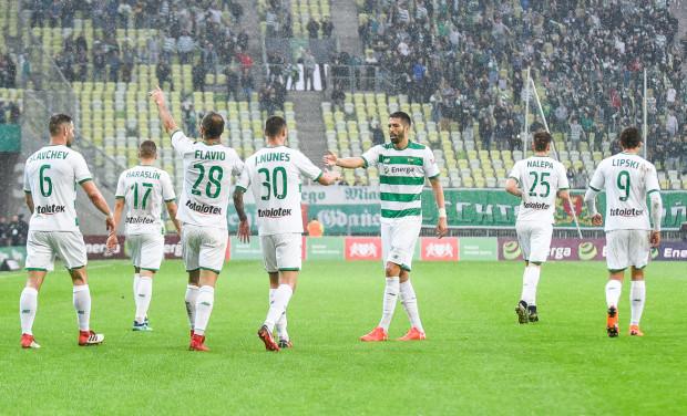 Dobre informację dla obecnych piłkarzy Lechii Gdańsk. Wydatki na pierwszą drużynę i sztab trenerski mają pozostać na poziomie z bieżącego sezonu. Nie zmieni się także budżet, który nadal ma wynosić 45 mln zł.