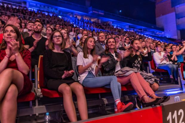 Na widowni zasiadło ok. 4 tys. słuchaczy, co jest wynikiem znakomitym, mając na uwadze wysokie ceny biletów.