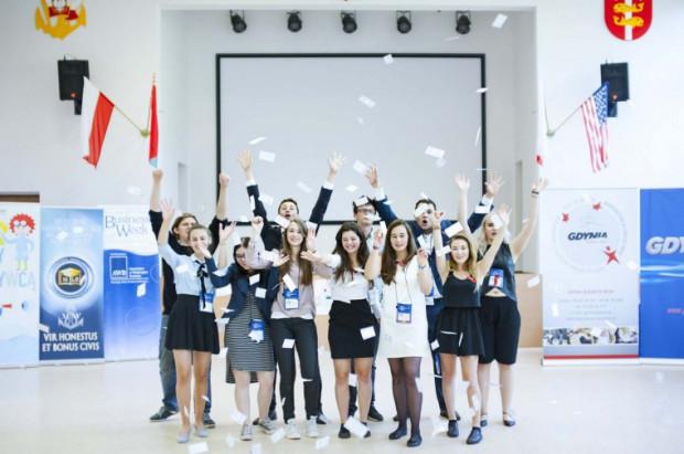 Program adresowany jest do uczniów liceów i techników, którzy interesują się przedsiębiorczością i sprawnie posługują się językiem angielskim.