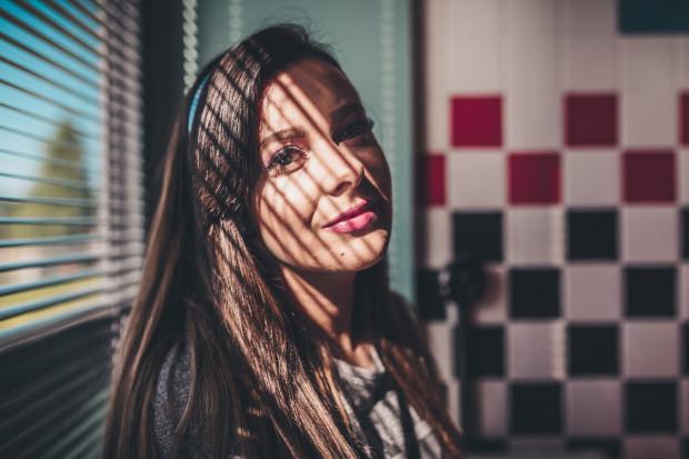 Ewelina Pobłocka swój taneczno-wokalny show poświęcony Arianie Grande zaprezentuje 8 czerwca w Studiu Panika.