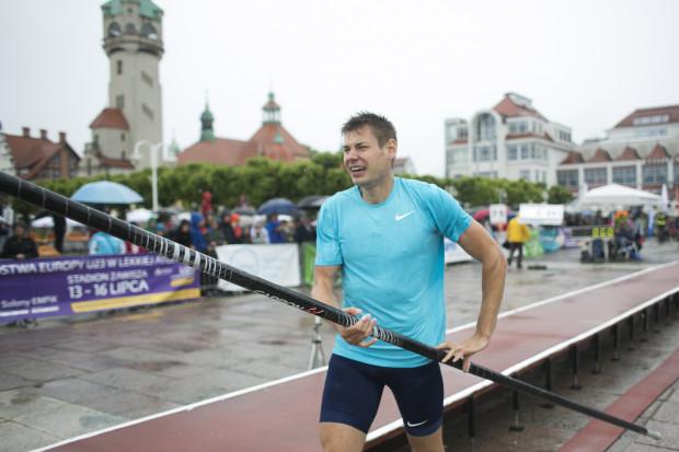 Paweł Wojciechowski (na zdjęciu) przed rokiem triumfował w Sopocie indywidualnie, w deszczowych zawodach. Teraz o wygraną postara się w parze z Justyną Śmietanką.