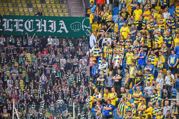 Na mecze Lechii przychodziło średnio więcej kibiców niż na spotkania Arki, ale to w Gdyni zanotowano wzrost frekwencji. W Gdańsku natomiast kibiców było mniej niż w poprzednich sezonach.