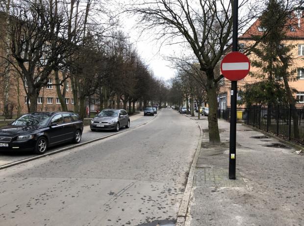 To co dla Gdańska od lat oczywiste, w Sopocie jest wciąż barierąnie do przejścia, a ściślej nie do przejechania. Kontraruchu jak nie było, tak nie ma.