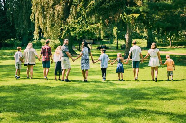 Rodziny zastępcze mogą liczyć na wsparcie fundacji, które organizują spotkania, szkolenia i pomoc jeśli ktoś zdecyduje się na taką przyszłość.