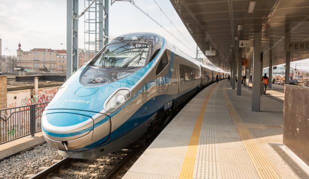 W wakacje wybrane pociągi Pendolino z Krakowa i Warszawy dojadą do Kołobrzegu, zatrzymując się na stacjach w Trójmieście.