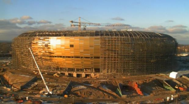 """Stadion PGE Arena """"rośnie w oczach"""", ale intensywne prace trwają także wewnątrz."""