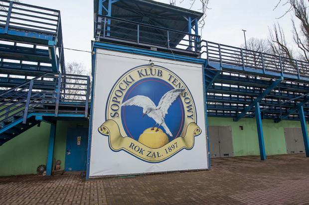Spór między Sopockim Klubem Tenisowym a miastem toczy się od kilkunastu lat.