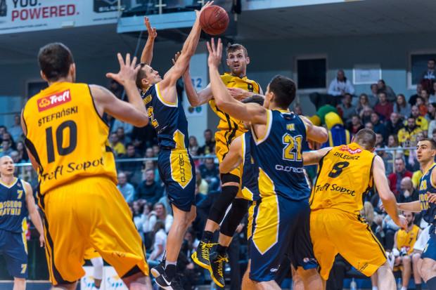 Jakub Karolak (nr 9) z Trefla Sopot oraz Marcel Ponitka (nr 2) z Asseco Gdynia zostali wyróżnieni za indywidualne osiągnięcia w sezonie 2017/2018