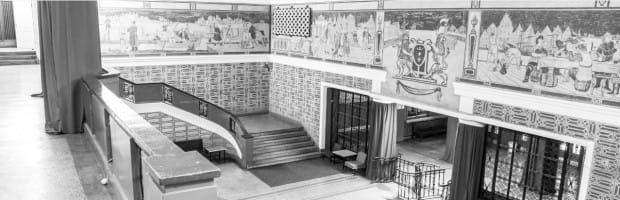 Przed rozbiórką wnętrze budynku kina zostało dokładnie zdokumentowane na zdjęciach. Jedno z nich zawisło w hotelowym lobby. Fragment sgrafitto z herbem w całości został przeniesiony do nowych wnętrz.